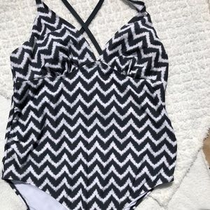 Zig zag black and white swimsuit